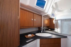bavaria 33 van 2016, nieuwe zeilboot verhuur