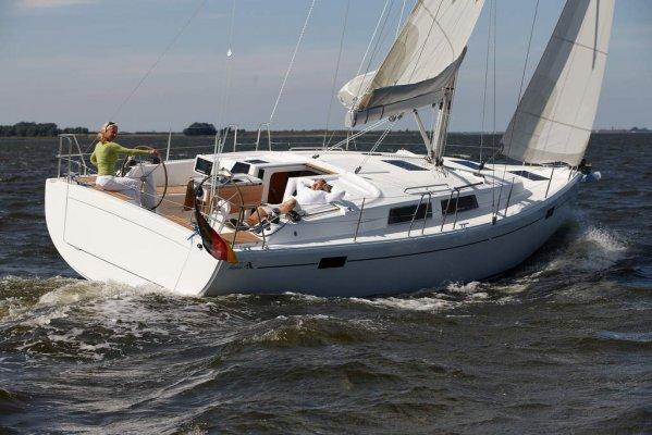 Hanse 385 zeilboot verhuur ijsselmeer