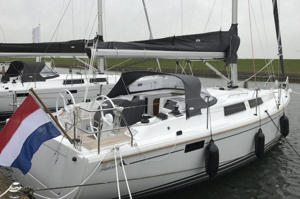 Hansse 385 te huur vanuit de haven van Andijk.