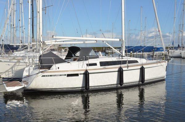 Bavaria 33 zeilboot verhuur IJsselmeer Waddenzee