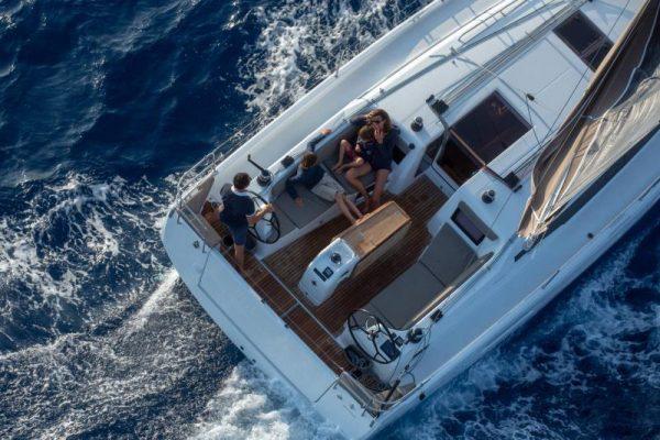 jeanneau zeilboot kopen en zeilboot verhuren