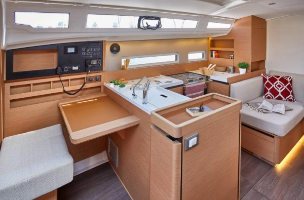 jeanneau buy and charter nederland